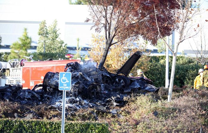 Paul Walker Dies in Car Accident (8 pics + video)