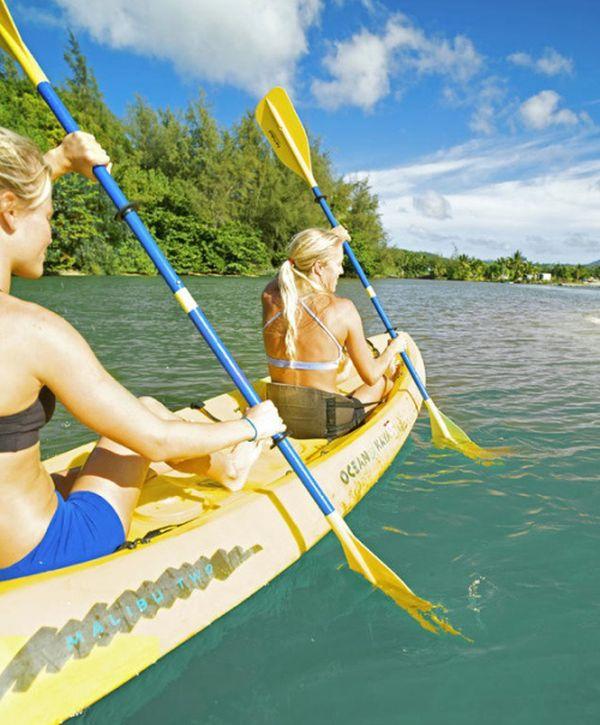 Girls and Kayaking (44 pics)