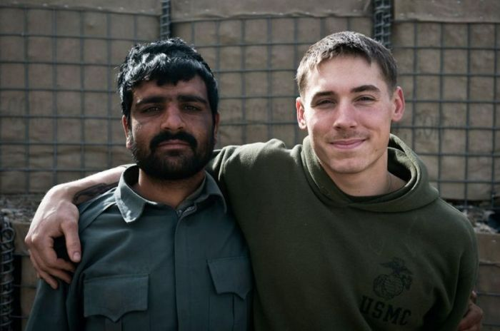 US Marines and Afghan Police Officers (6 pics)