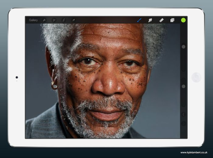 Morgan Freeman iPad Drawing (7 pics + video)