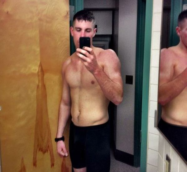 When Men Take Selfies (37 pics)