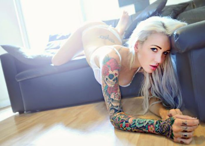 Cute Tattoo Girls (40 pics)