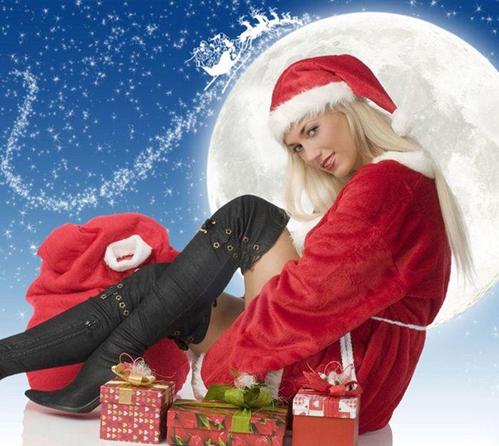 Sexy Christmas Girls (63 pics)
