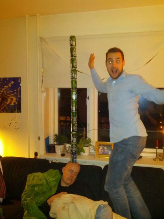 How to Have Fun with Drunk Friends (39 pics)
