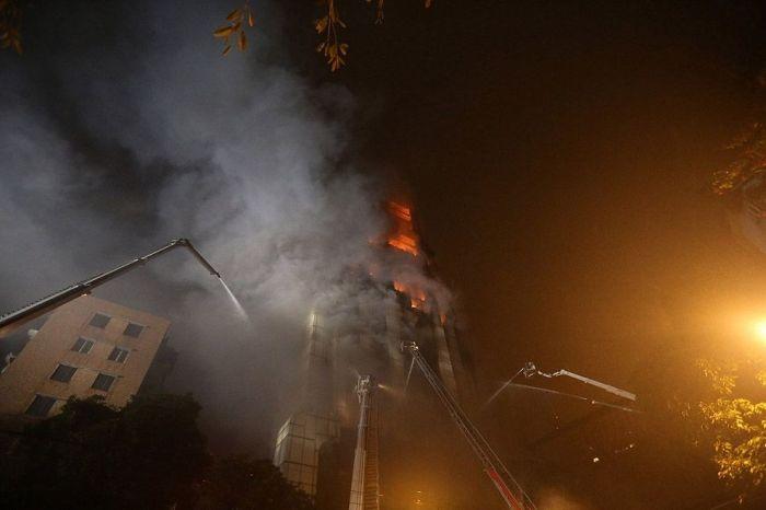 High-Rise Building Fire in Guangzhou, China (12 pics + video)