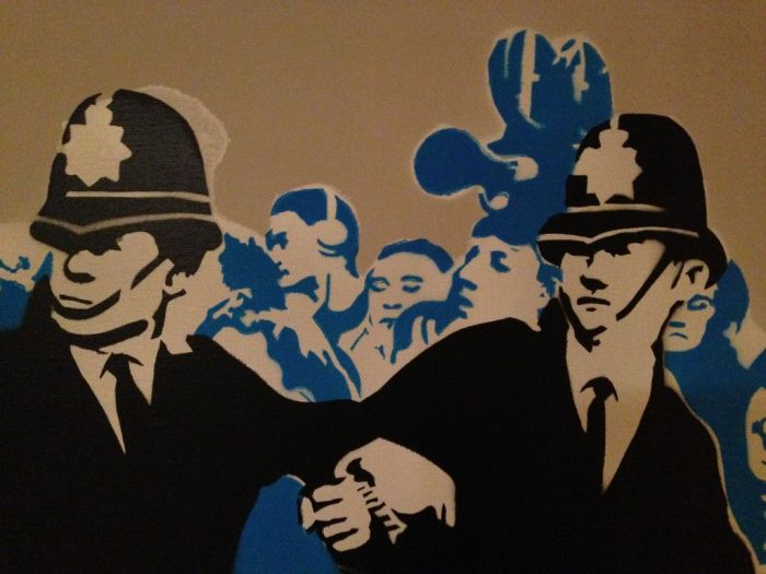 Iconic Photo Adapted into Stencils (23 pics)