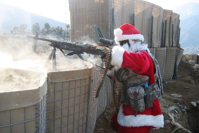 Santa Gone Wild (23 pics)