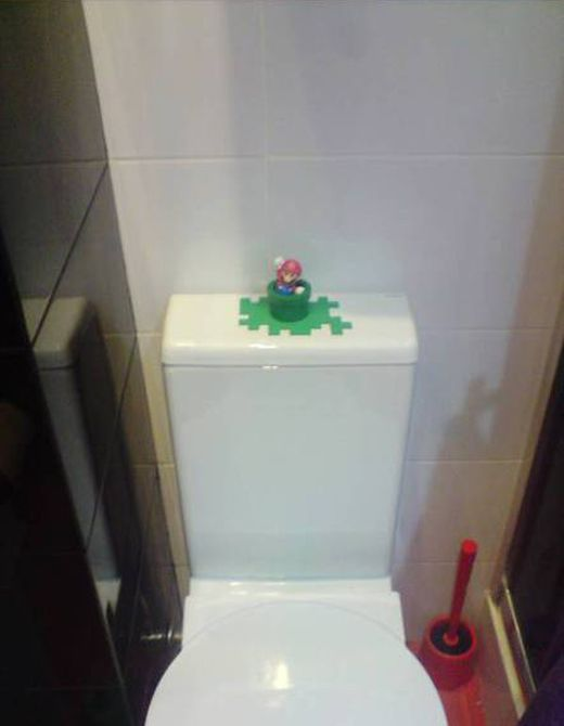 How to Use a Super Mario Toy (9 pics)