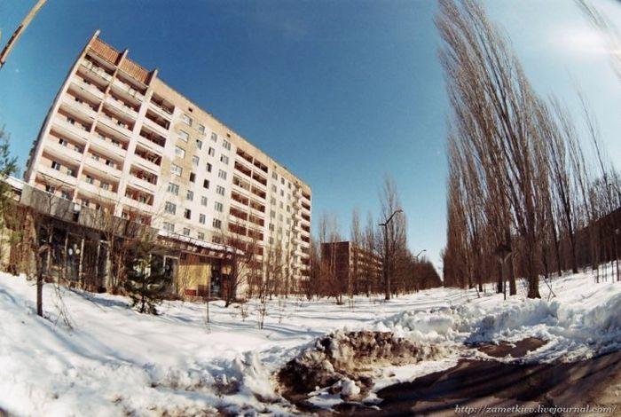 Chernobyl in Winter (44 pics)