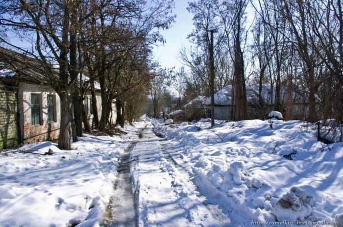 Chernobyl in Winter (44 pics)