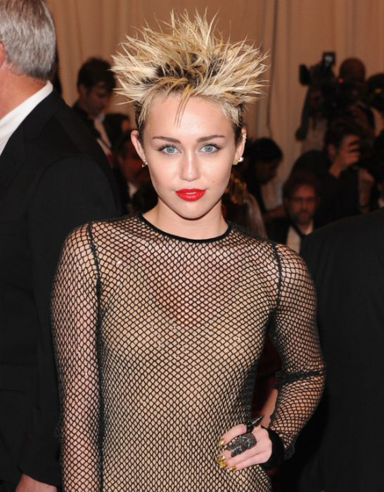 Transformation of Miley Cyrus (25 pics)