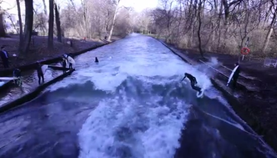 Awesome Munich Canal Surfing on Christmas