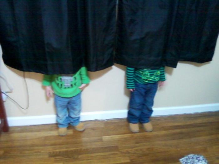 Kids Who Are Bad at Hide and Seek (20 pics)