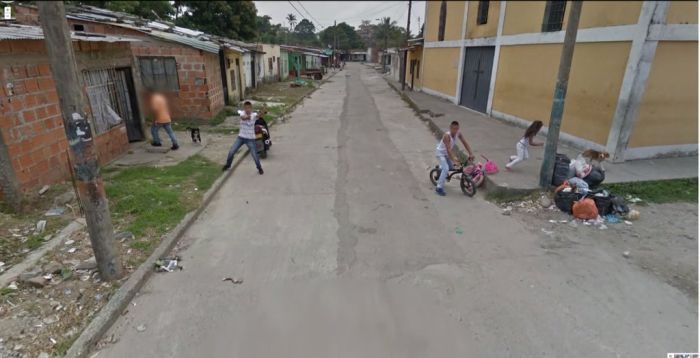 Very Strange Things Found on Google Street View (36 pics)