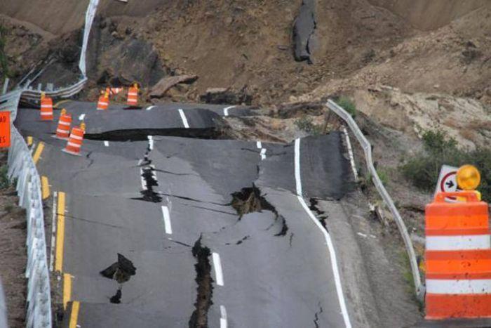 Landslide in Mexico (21 pics)