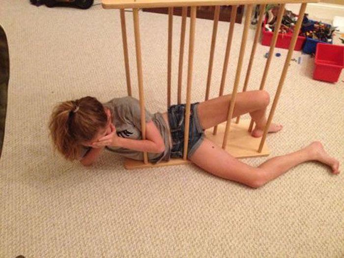 Girls Got Stuck (32 pics)