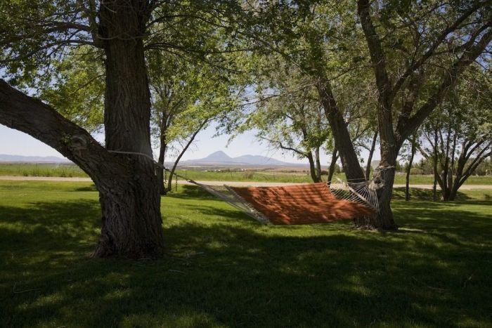 Luxury Survival Bunker (18 pics)
