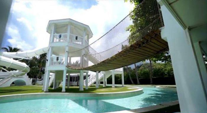 Celine Dion's Water Park (10 pics)