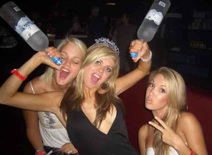 Girls Party Hard (56 pics)