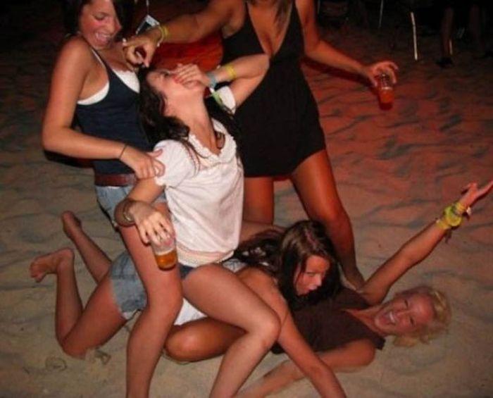 Κορίτσια Κόμμα Hard (56 pics)
