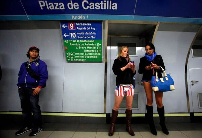No Pants Subway Ride 2014. Girls Only Edition (44 pics)