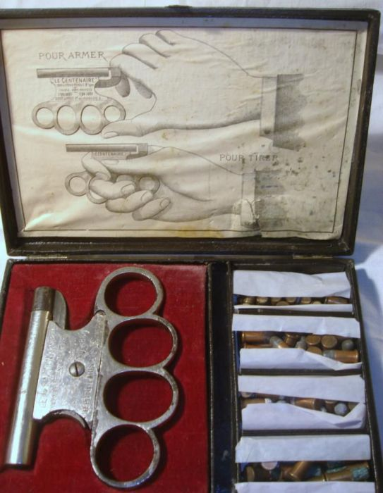 Vintage Brass Knuckles Gun (13 pics)