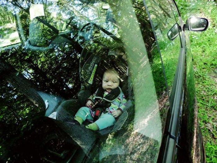 The Reluctant Father's Poignant Photo Journey (24 pics)