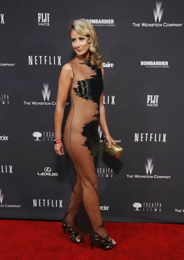 Victoria Hervey's Golden Globes 2014 Dress (4 pics)