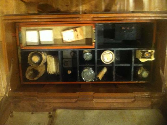 Medical Chest (24 pics)