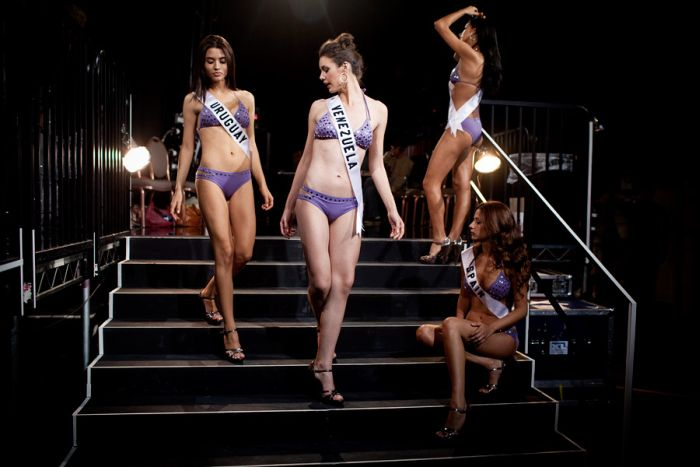 Behind the Scenes of Beauty Pageants (48 pics)