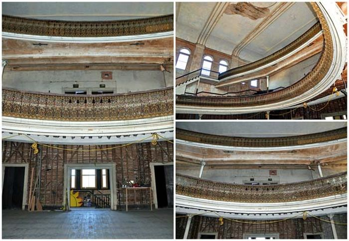 Abandoned Opera House (22 pics)
