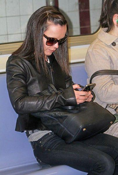 Celebrities on the Subway (35 pics)