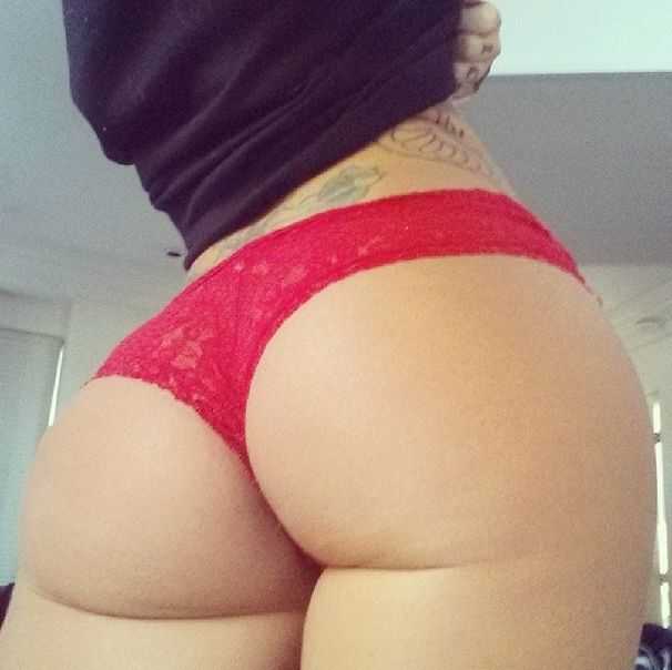 Christy Mack Is Offering a Blow Job (30 pics)