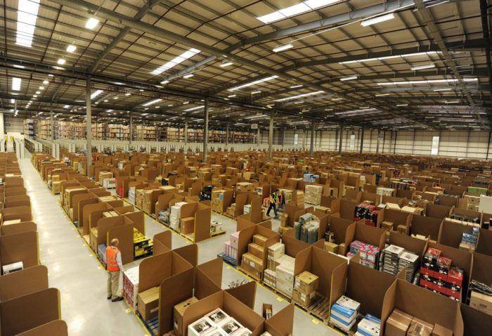 Welcome to Amazon (95 pics)