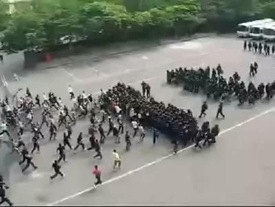 Amazing Korean Riot Police Techniques