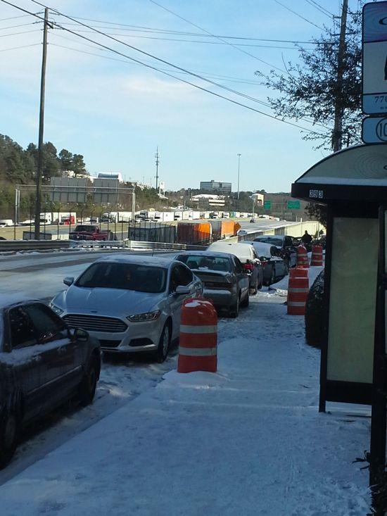 Atlanta Snow Traffic (17 pics)