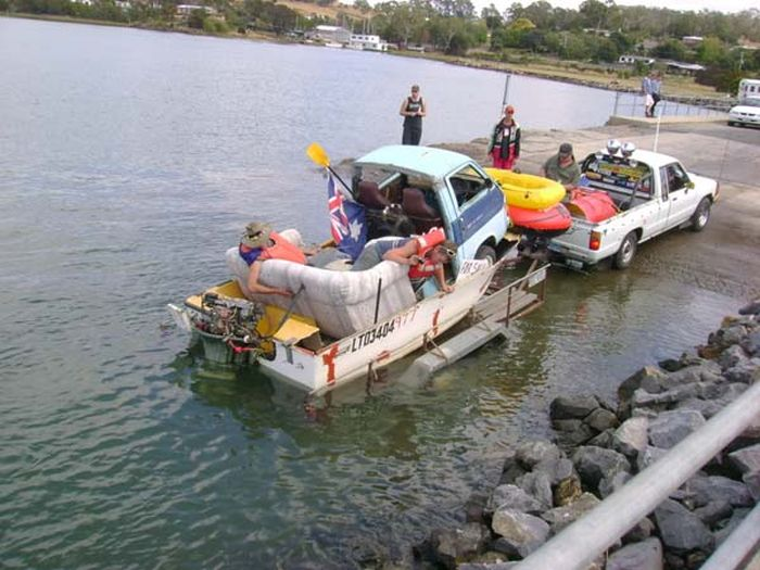 The Worst but Still Nice Self Made Yacht Ever (17 pics)