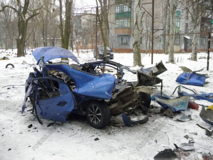 Methane Gas Cylinder Exploded Inside a Car (6 pics)