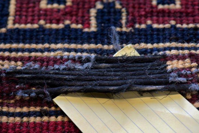 Heroin Inside the Carpets (6 pics)
