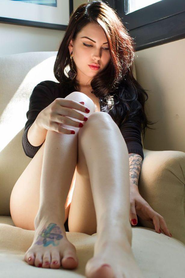 Sexy Tattoo Girls (43 pics)