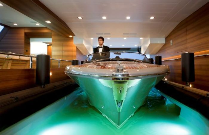 Awesome Luxury Yacht CRN 125 J'Ade (25 pics)