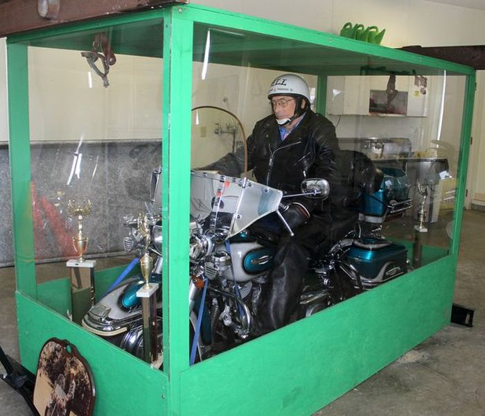 Giant Transparent Casket with a Bike (6 pics)