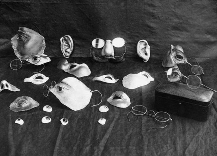 Medical Images From The Past (24 pics)