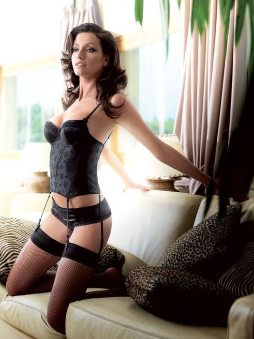 Hot Girls in Lingerie (61 pics)