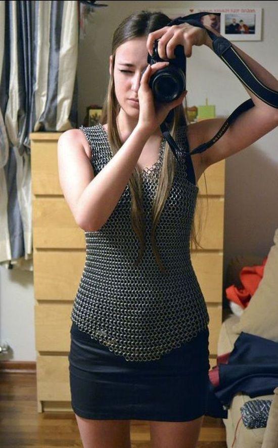 Pretty Girl Made a Chain Armor (10 pics)