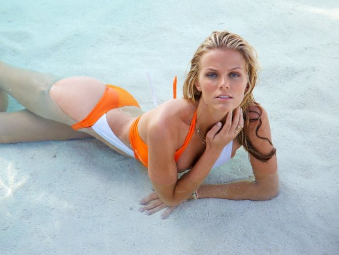 Sports Illustrated Swimsuit Models (40 pics)