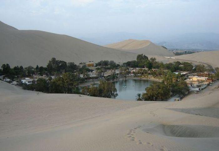 Oasis of America, Huacachina, Peru (33 pics)
