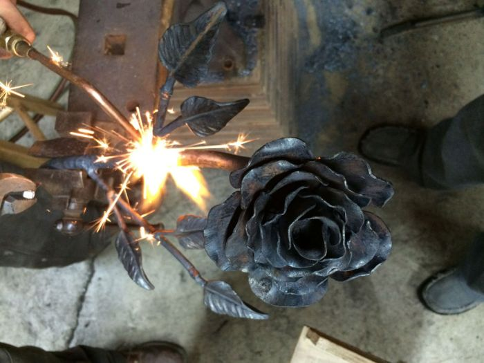 Rosa de acero for Cool things to weld