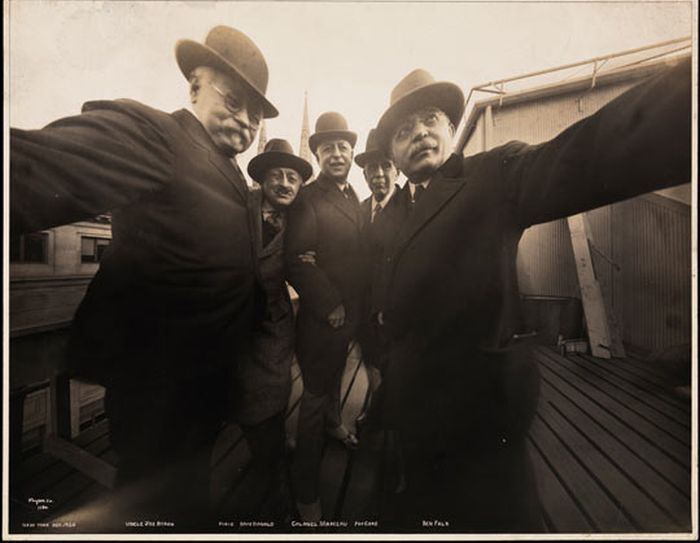 Selfie from 1920 (2 pics)