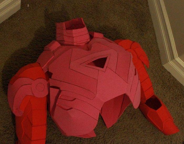 DIY Iron Man Costume (15 pics)